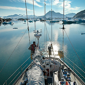Sailing tour in Greenland